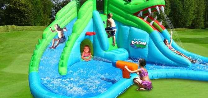 noleggio gonfiabili con acqua e scivoli acquatici per bambini